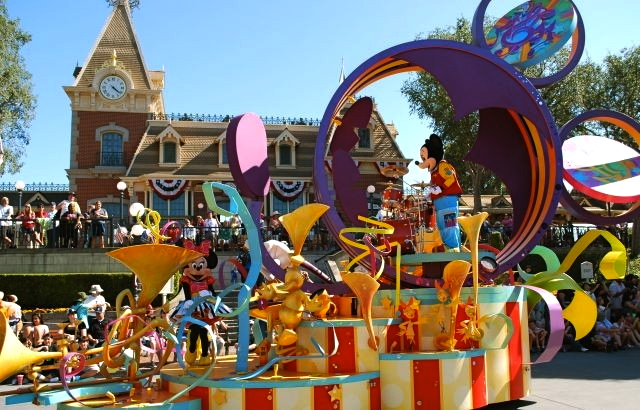 Adventures of a Lost Boy in Disneyland (Part 6): Mickey's ...